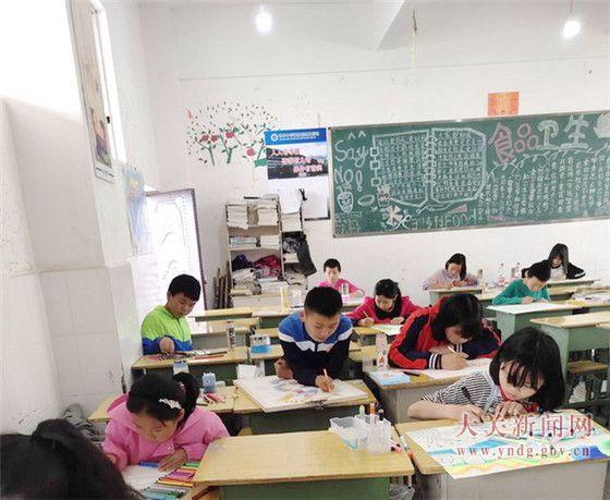 我县举办第二届中小学生现场书法绘画大赛
