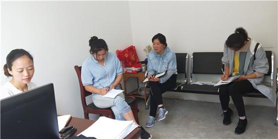 县妇联到乡镇调研指导义务教育阶段辍学失...